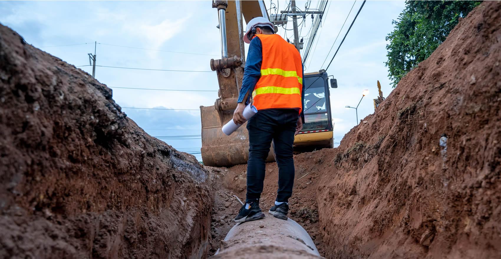 delta-engineering-inc-jackson-ca-job-site-man-in-ditch